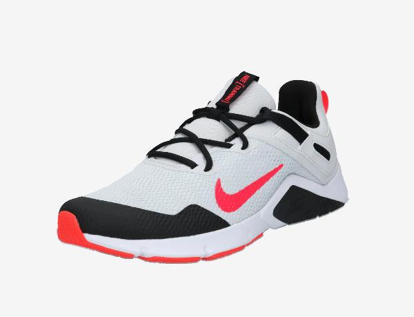 Adidasi Nike reduceri 2021